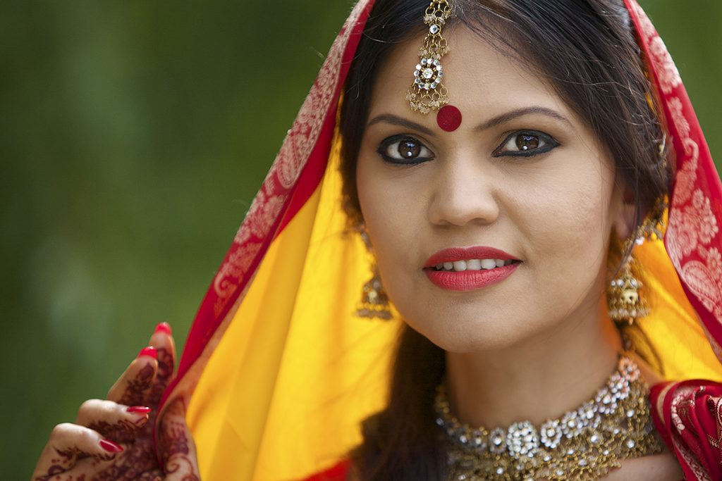 pre bridal photo for an Asian wedding