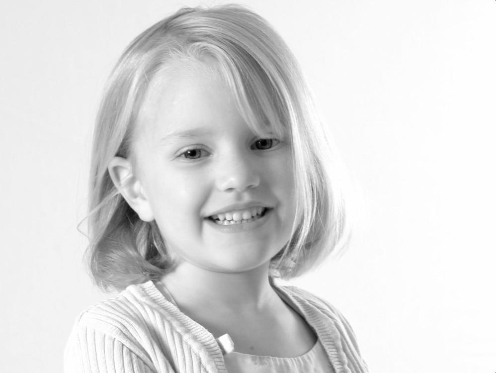 epsom based photographer of young girl